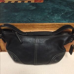 SMALL SOFT BLK LEATHER COACH BAG EUC